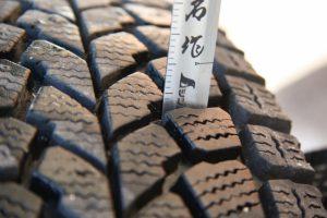 タイヤの溝チェック