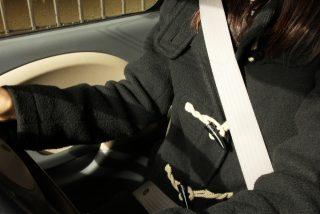 シートベルトの付け方とは?正しい着用で事故の衝撃から身を守る